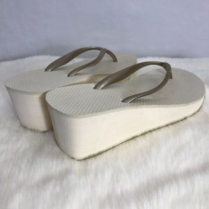 d8688fda7806be Havaianas Shoes - FINAL PRICE Havaianas High Cream Wedge Sandals